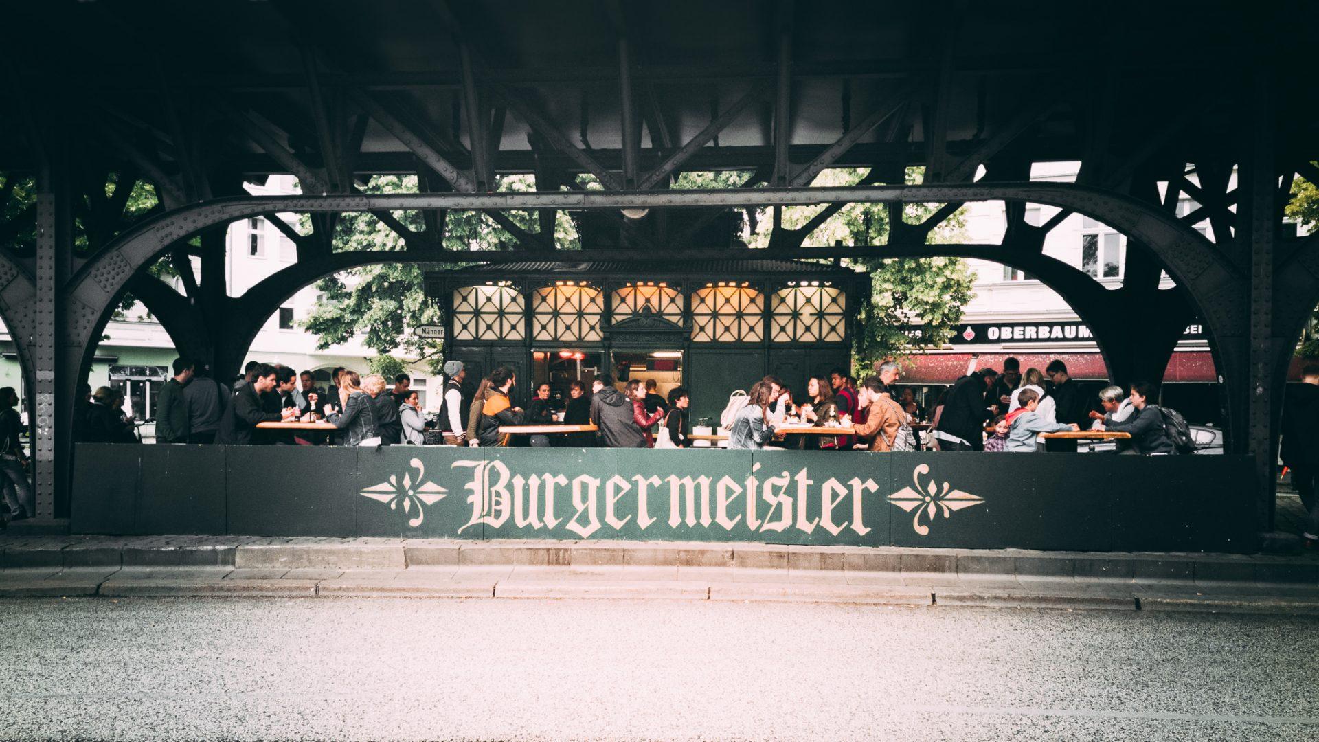 """Tag 315 - Burgermeister // """"Alles Schöne im Leben hat einen Haken: es ist unmoralisch, illegal oder es macht dick."""" - Mae West"""