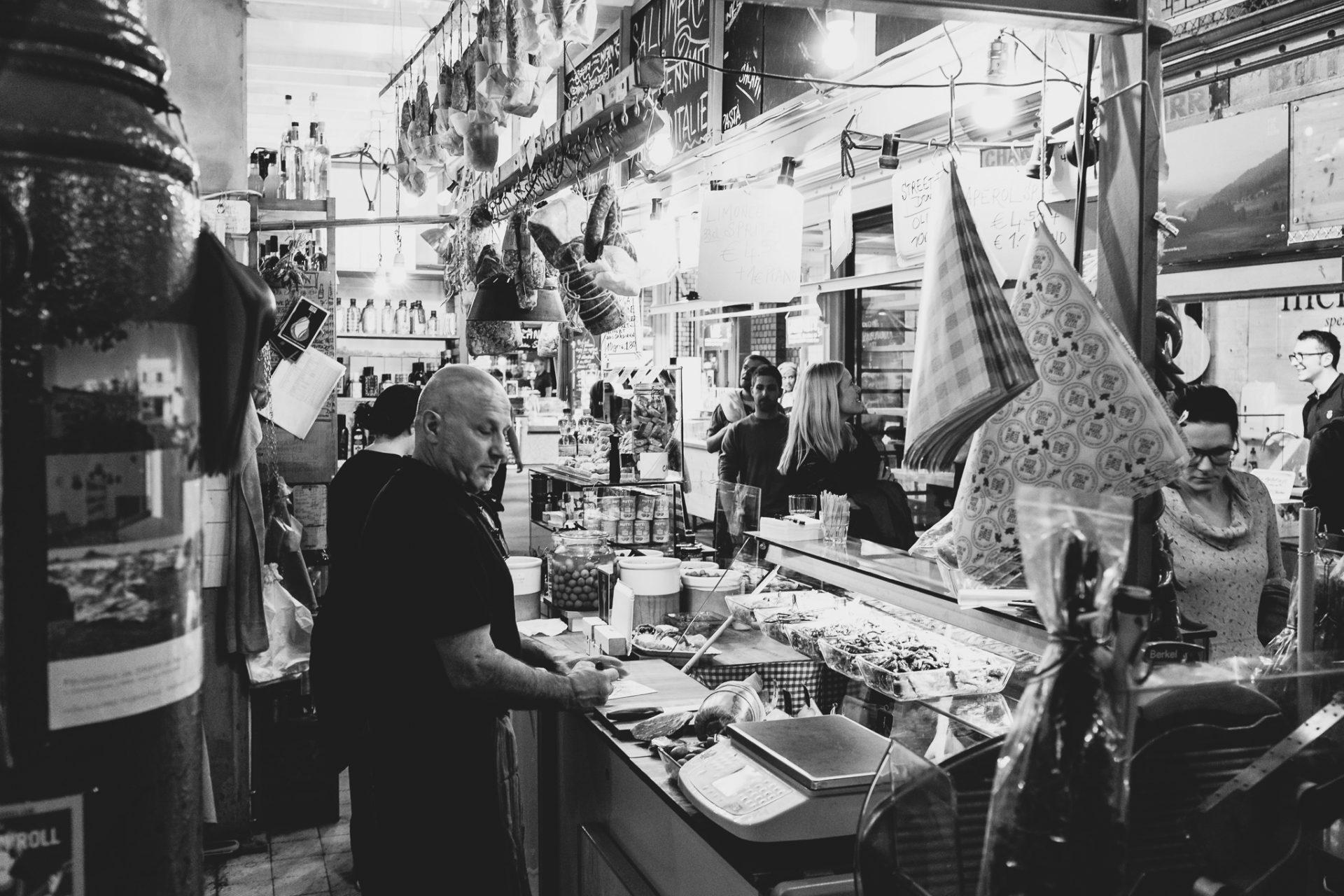 """Tag 336 - Salumeria del Sud // """"Wo die Liebe den Tisch deckt, schmeckt das Essen am besten."""" - Französisches Sprichwort"""