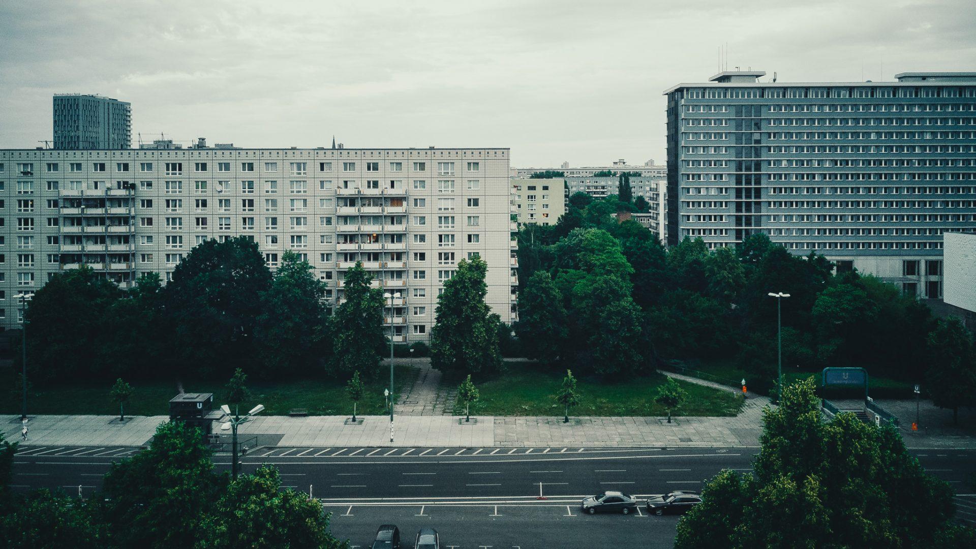 """Tag 334 - Block // """"Wenn irgendetwas uns verflucht hat, dann ist es doch die Großstadt gewesen, nirgends mehr geht die Einzelpersönlichkeit zugrunde als in diesen Stätten der Massensuggestion."""" - Gustav Stresemann"""