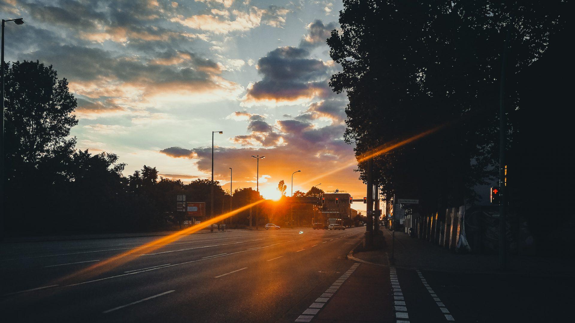 """Tag 335 - Abendstimmung // """"In jedem Menschen ist Sonne - man muß sie nur zum Leuchten bringen."""" - Sokrates"""